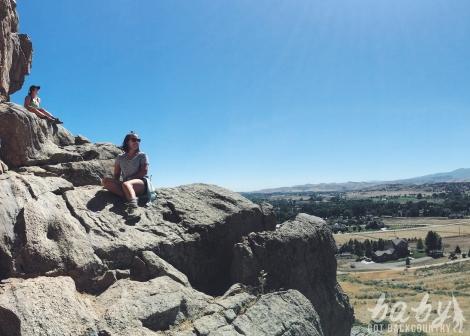 women who hike devil's backbone colorado